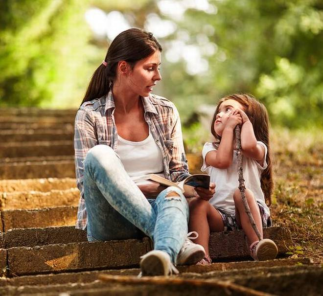 How parents can try and prevent child abuse image